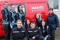 Dobrovolní hasiči z Bezděčína.