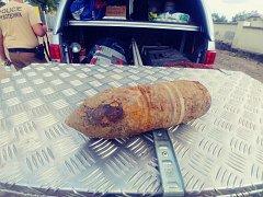 Policejní pyrotechnik konstatoval, že se jednalo o protipancéřový granát.
