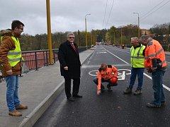 Již ve čtvrtek budou řidiči opět jezdit po Brněnském mostu, vše je připraveno.