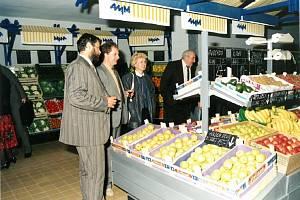 První supermarket v tehdejším Československu otevřel v červnu 1991 v Jihlavě nizozemský maloobchodní řetězec Ahold v místě dnešního supermarketu Albert.
