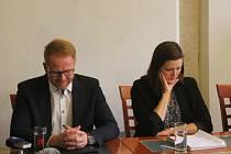 Náměstek Petr Laštovička (ODS) oznámil svoji rezignaci po boku koaličních partnerů včetně primátorky Karolíny Koubové (Fórum Jihlava).