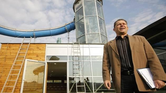 Po pravidelné odstávce se znovu otevře Vodní ráj na ulici Romana Havelky v Jihlavě. Na návštěvníky čeká prodloužený tobogán a nová odpočívárna u sauny.