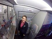 Na palubě letadla společnosti Wizzair pracuje letuška Marie z Telče.