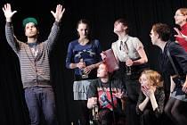 Představením Pokusme se společně, které nazkoušela Divadelní společnost Saši Liškové ZUŠ Jihlava, byl zahájen divadelní festival před dvěma lety.