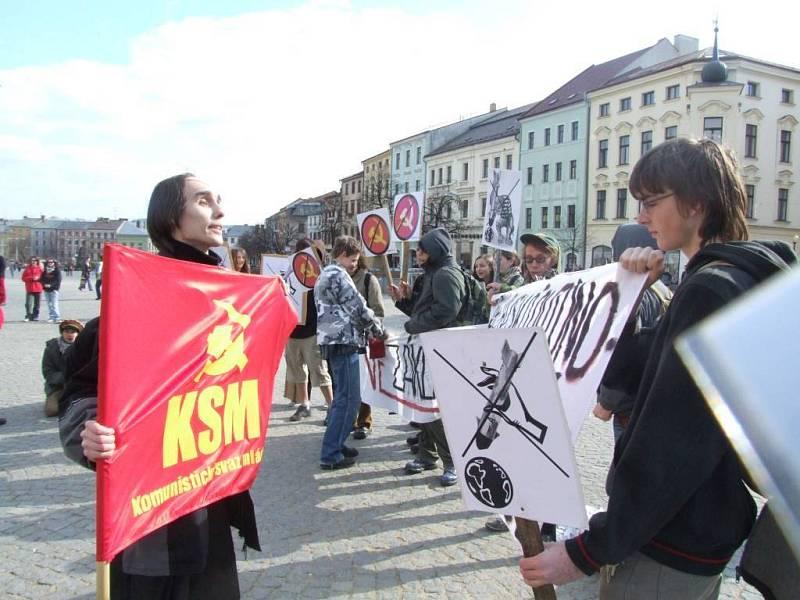 Pod hlavičkou Komunistického svazu mládeže nechtěla demonstrovat Jihlavská autonomní mládež.