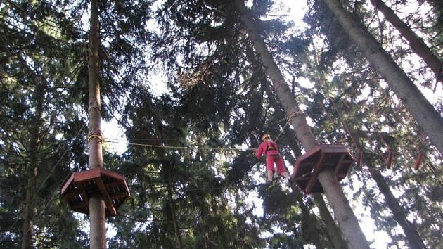 Lanový park na Křemešníku patří k nejvyšším na Vysočině