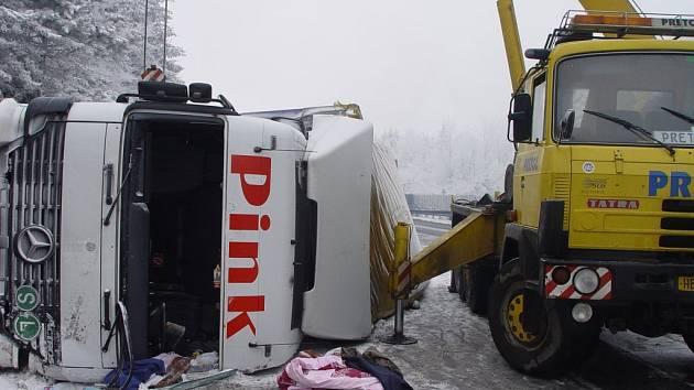 Dopravní nehoda se smrtelným zraněním se udála na 108.kilometru dálnice D1 ve směru na Brno