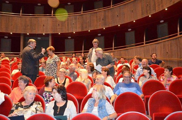 Herci z Horáckého divadla se připravují na sezonu.