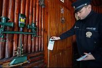 Policie kontroluje chaty. Ilustrační foto.