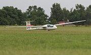 Mistrovství České republiky juniorů odstartovalo v neděli na letišti v Henčově.