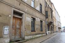 Část jihlavského magistrátu by se mohla přestěhovat už za dva roky, bude mít zrekonstruované domy na adrese U Mincovny 6 a 8. Foto: Deník/Martin Singr