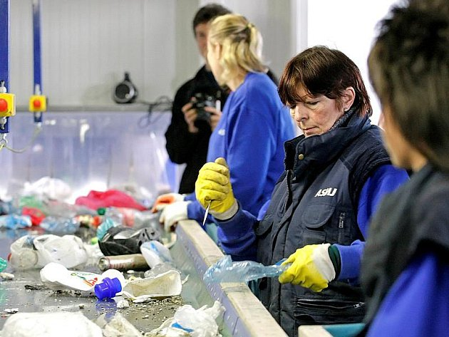 V Jihlavě byla nedávno zprovozněna nová třídící linka na komunální odpad. Provozují ji společně Služby města Jihlavy a firma A.S.A.