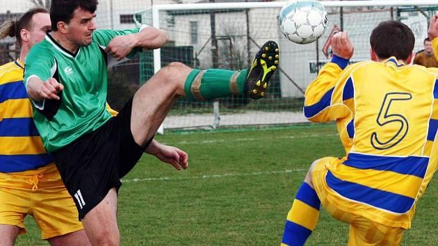 V přímém souboji o šesté místo tabulky přivítal Kostele fotbalisty Lípy. Jelikož zápas skončil bez branek, Kostelečtí si své postavení udrželi.