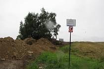 Z místa, kde kdysi přenocoval císař Josef II. je v dnešních dnech staveniště. Zbylo jen pár listnatých stromů.