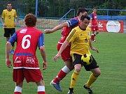 Vladislav (ve žlutém) ve svém posledním zápase I. A třídy uhrála bod v Třebíči a příští sezonu bude hrát už jen okresní přebor.