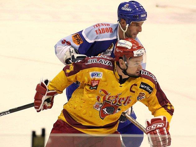 Oldřich Bakus se po dvou měsících vrátil do týmu a pomohl Dukle k vítězství nad Vrchlabím.