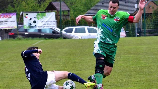 Fotbalisté Rantířova (v zeleném) se o body s Třebíčí B nakonec rozdělili.