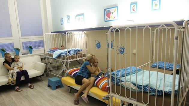 Takto vypadá zrekonstruovaný dětský pokoj jihlavské nemocnice, na který v minulých letech také přispěli dobrovolníci.