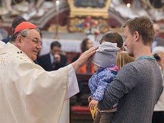 Kardinál Dominik Duka u příležitosti svých 75. narozenin odsloužil bohoslužbu v polenském chrámu Nanebevzetí Panny Marie.