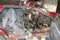 Při sobotní večerní nehodě u Polné zemřel řidič a jeho spolujezdec.