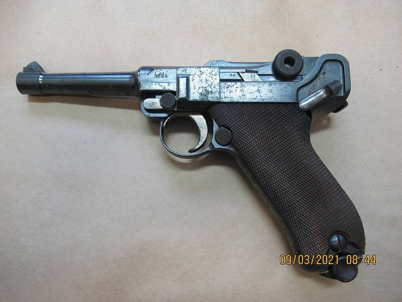 Na policejní služebny lidé nejčastěji nosili pistole, opakovací pušky a kulovnice.