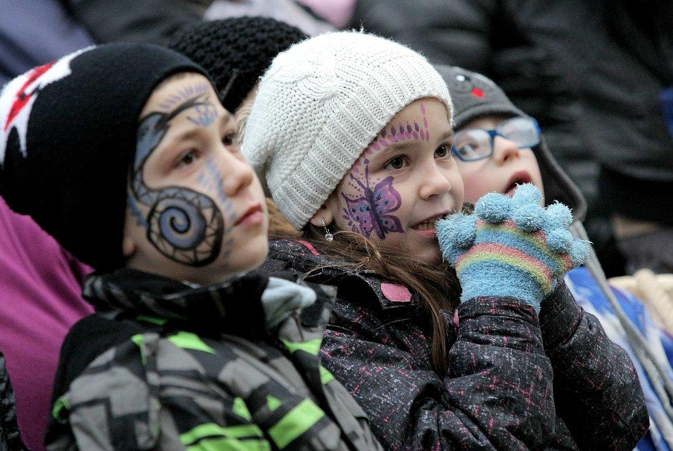 Děti si mohly nechat pomalovat obličej.