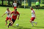Fotbalisté Bedřichova (v bílém) odehráli šest přípravných zápasů.