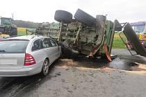 Tragická nehoda u Uhřínovic na Jihlavsku. Na místě zemřel řidič osobního auta.