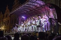 Hudebnědivadelní teátr pod taktovkou principála Petra Píši ukončí v pátek Kulturní léto v jihlavském pivovaru.