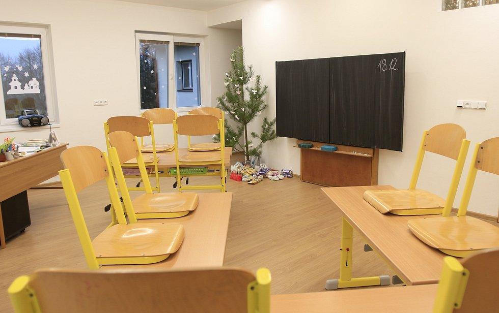 Škola v Sobíňově po rekonstrukci.