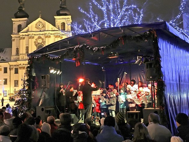 Loni se na Vysočině zpívalo v Třebíči a Jihlavě. V krajském městě měla loni tato akce velmi příjemnou předvánoční atmosféru.