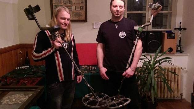 Michalu Polákovi a Jiřímu Bártů detektory učarovaly, plní jim volný čas.