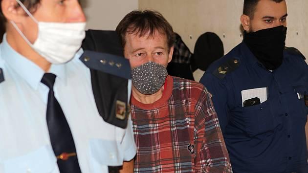 Neřízení střela: muž s covidem pobíhal po Jihlavě, dostal za to tři roky vězení