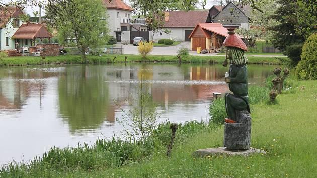 Cejle je klidná obec na Jihlavsku obklopená přírodou. Toho si místní cení.
