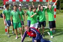 Vítězná radost. Tým Komeťáků nečekaně ovládl Šmolovy Cup 2007.