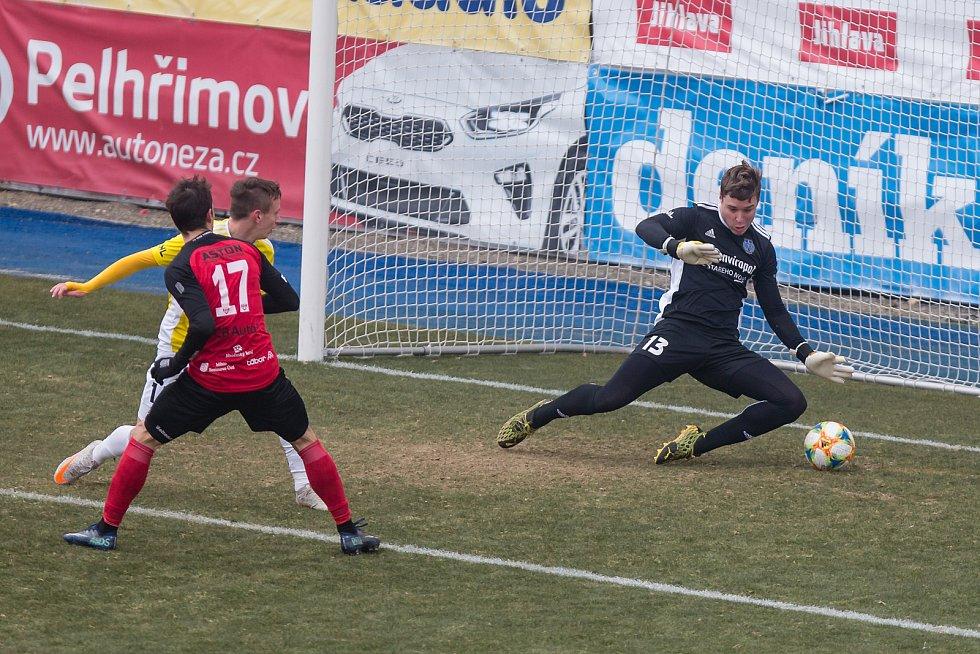 Fotbalové utkání 11. kola FNL mezi FC Vysočina Jihlava a  FC MAS Táborsko.