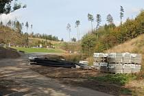 Napojení cyklostezky z Velkého Beranova na mezinárodní trasu Jihlava - Třebíč - Raabs bude buď strmější, nebo o trochu delší. Zatím se neví.