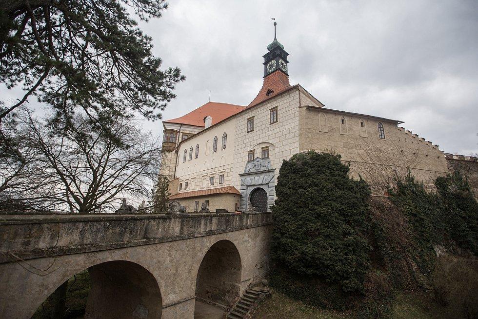 Nádvoří zámku v Náměšti nad Oslavou.