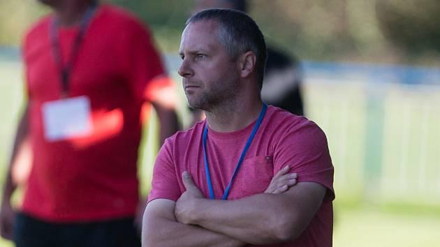 Trenér Zbyněk Peštál spokojený s podzimními výsledky nebyl, ale věří, že bedřichovský tým perspektivu má a na jaře kůži lacino nedá.