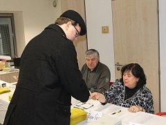 V Domě dětí a mládeže chodili zkraje voleb hlavně mladí voliči.