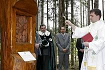 Odhalení a vysvěcení nového pomníčku sv.Huberta si připomněli myslivci, zástupci města, i lidé z řad veřejnosti.
