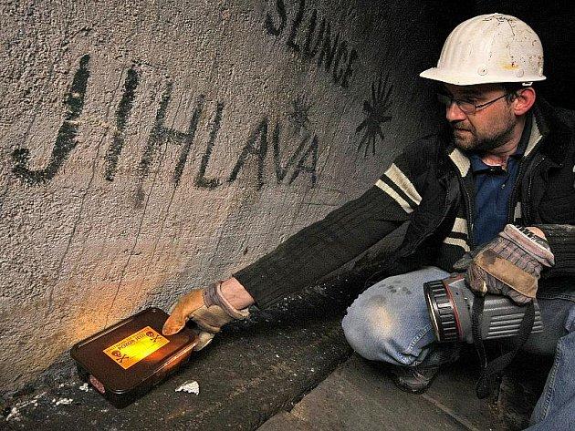V jihlavském podzemí duchové klid nemají. Každý rok se tam probouzejí pekelníci v čele s luciferem, komentované prohlídky se v katakombách konají od dubna do října denně. Město podzemní chodby také pravidelně deratizuje.