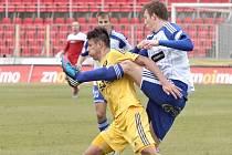 Víc urputnosti než fotbalové krásy nabídlo utkání Znojma s Jihlavou. Oba protivníci se nakonec rozešli smírně po bezbrankové remíze.