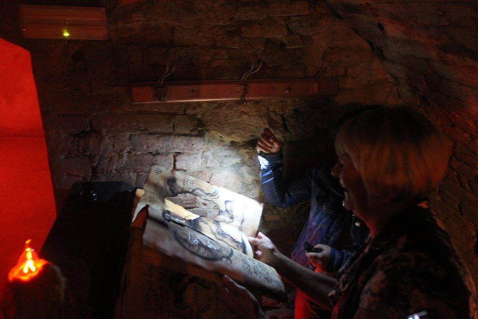 Podzemí v Telči bude letos o něco delší, děti mohou na konci získat poklad.