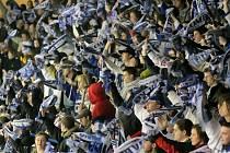 Fanoušci Komety vynikají i při venkovních zápasech  svého týmu. V Rondu pak tisícové návštěvy připravují hostujícím týmům hotové peklo.