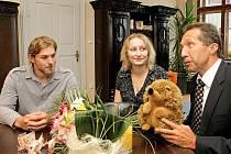 Silvie, Jan a Jakub jsou trojčátka, která se počátkem června narodila Aleně a Milanu Peškovým z Jihlavy.