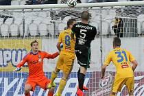 Příbramští fotbalisté v utkání s Vysočinou několikrát zahrozili po standardní situaci. Naopak Jihlavě se z žádného přímého kopu zahrozit nepodařilo.