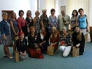 Na vysoké škole v Jihlavě mají za sebou první kurz arteterapie. Prošlo jím 13 studentů.