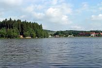 Pávovský rybník vypadá lákavě.