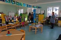 Děti za odměnu dostaly například knihy nebo krmítko.